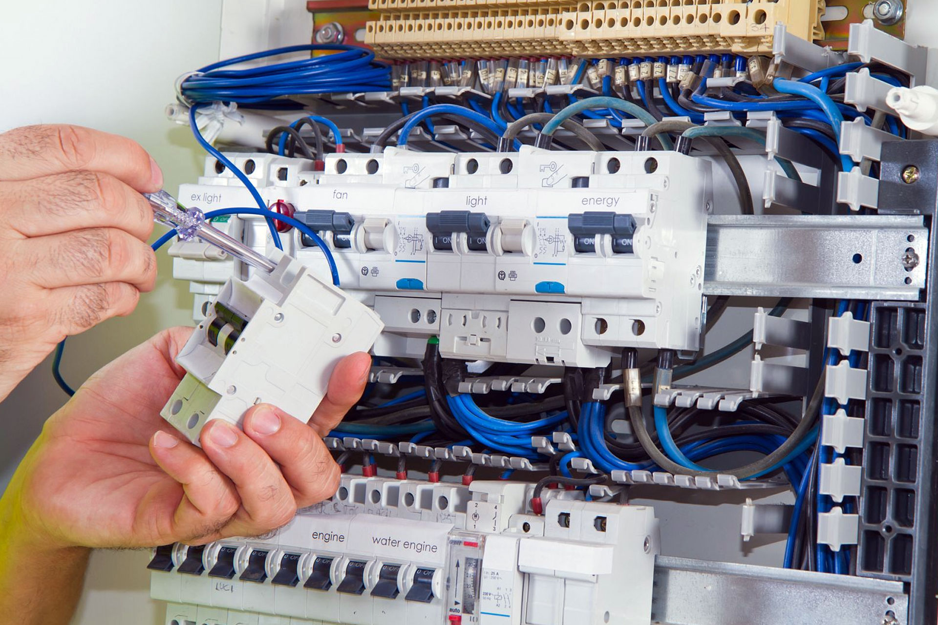 gransinfotech electrical services